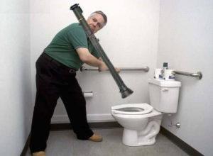 Déboucher ses toilettes comme un pro !